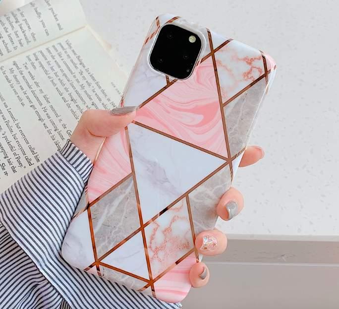 Mobilskal till iPhone XR med ljusrosa marmormönster