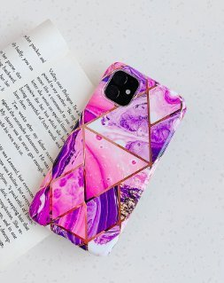 Mobilskal till iPhone 11 med rosa marmormönster