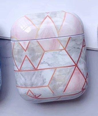Skydd för Airpod-fodral i rosa & marmormönster