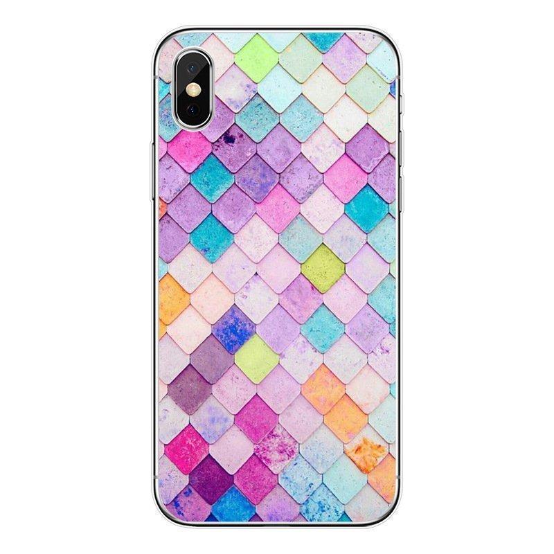 Mobilskal till iPhone11 fiskfjällsmönster flerfärgad