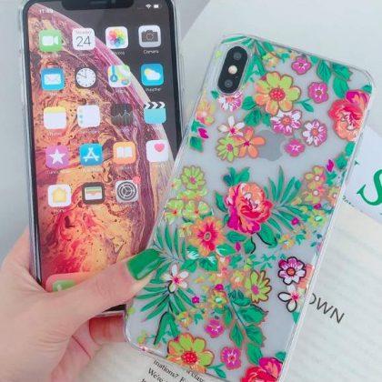 Mobilskal till iPhoneXR i vackert blomstermönster rosa & grönt