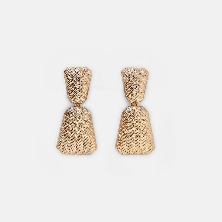 Earring guld jewelry braided pattern