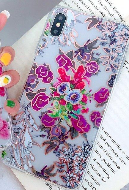 Mobilskal till iPhone11 i vackert mönster med blommor