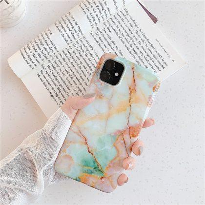 Mobilskal till iPhone med unikt marmormönster