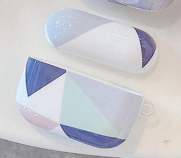 Skal till Airpods Pro med geometriska former och färger