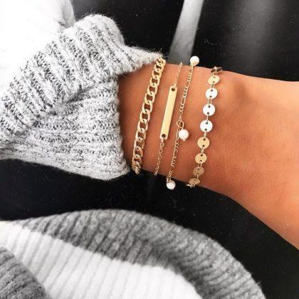 Armband i set á 4 stk guld bohemiskt smycke pärlor