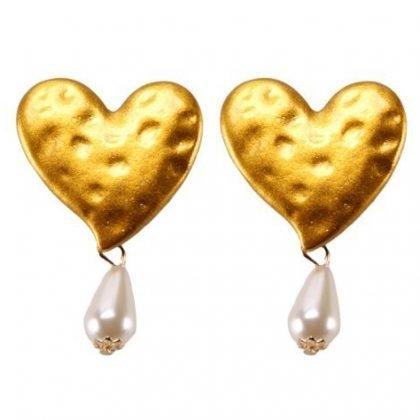 Hjärtformat örhänge i guld med pärla