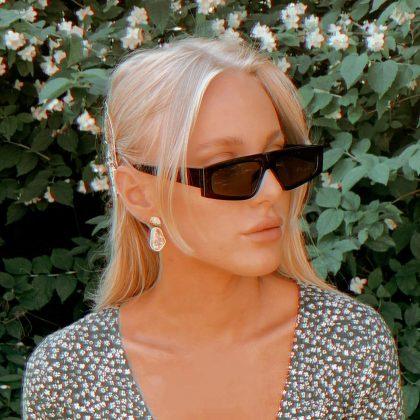 Speciella trendiga solglasögon för år 2020 UV400