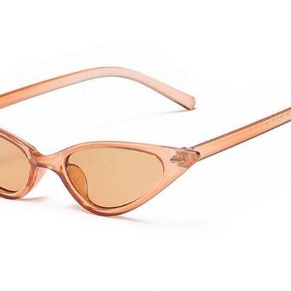 Spetsiga cat eye solglasögon triangel beige