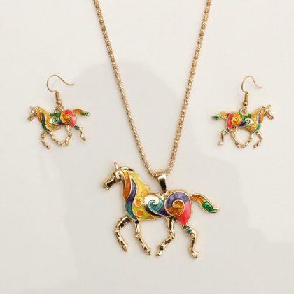 Set med färgglatt hästsmycke + örhängen