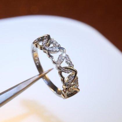 Vacker ring med hjärtan i zirkon och 925 silver