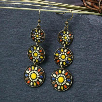 Handgjorda örhängen i etnisk antik stil cirklar formade