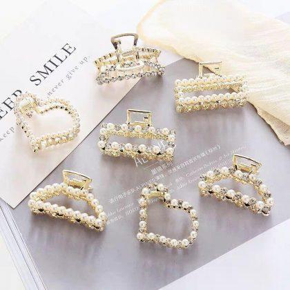 Hårklämma med strass och pärlor hjärta diamant