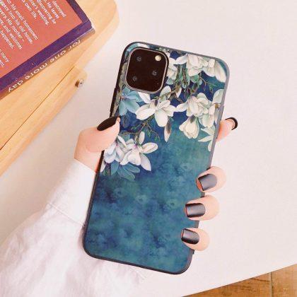 iPhone 12 & 12 Pro skal blå vit vackra blommor silikon