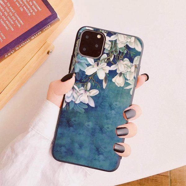iPhone 12 Pro Max skal blå vit vackra blommor silikon