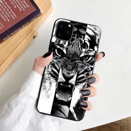 iPhone 12 Pro Max skal tiger svart vit silikon