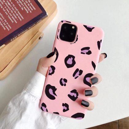 iPhone 12 Pro Max Skal leopardmönster i flera färger gul röd rosa