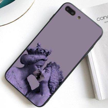 iPhone 12 Pro Max skal antikt staty kyss