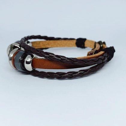 Handgjort flätat armband i äkta läder i autentisk stil stjärna