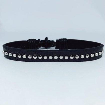 Handgjort armband i autentisk läder stil svart nitar män