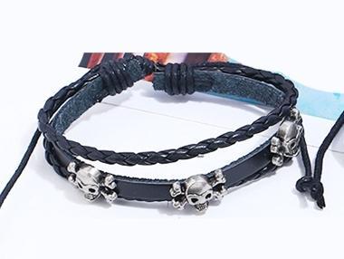 Handgjorda armband i autentisk läder svart döskalle