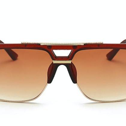 Solglasögon till män med dubbel näs-bro i brunt och guld