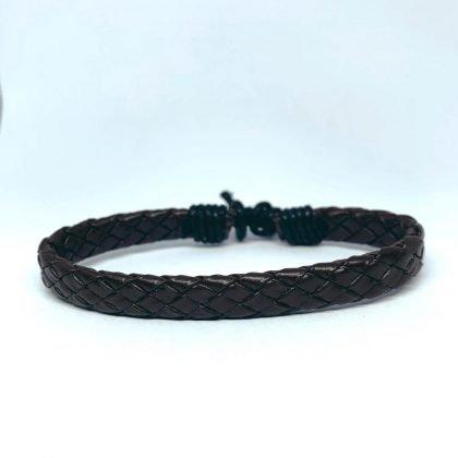 Handgjort armband för män flätat läder i brunt