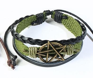 Handgjort armband grönt pentagram för män i tyg och läder