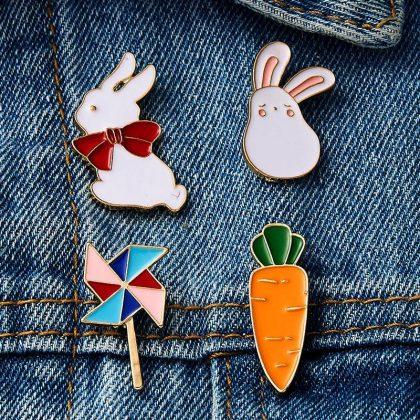 Emaljerade Broscher m morot kanin vindsnurra till barn väska kläder