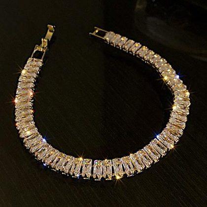 Vackert armband med rektangulära diamanter lyx gåva guld för kvinnor