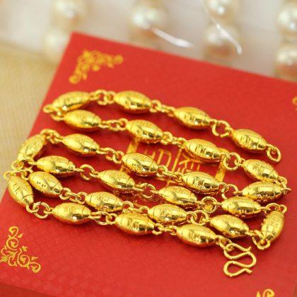 18K guldpläterad lyxig kedja med berlocker