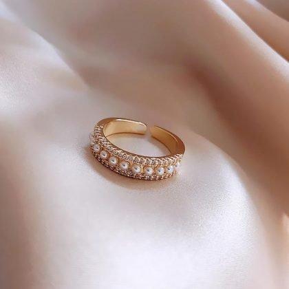 Guldpläterad ring med sötvattenspärlor justerbar passar alla