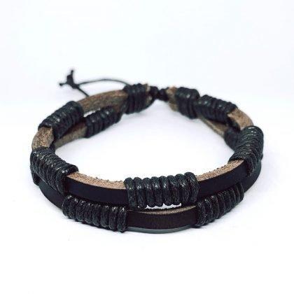 Två i ett handgjorda armband med helsvarta band