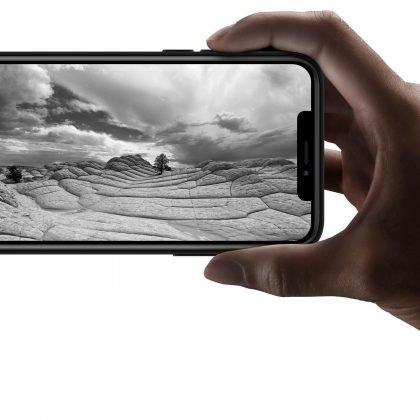 iPhone 13 Pro Max Mini skal glada avokado håller handen